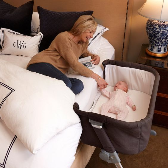 Bassinet-Versus-Crib